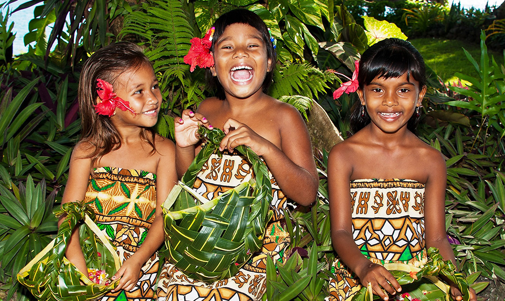Paradise Taveuni - Flower Girls
